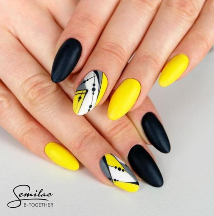 manichiura negru cu galben