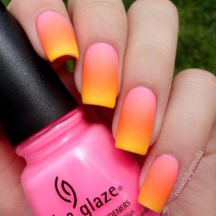 manichiura ombre colorata