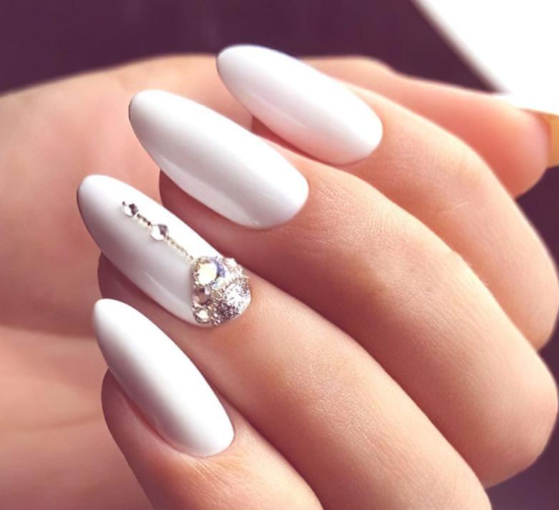unghii albe fashion