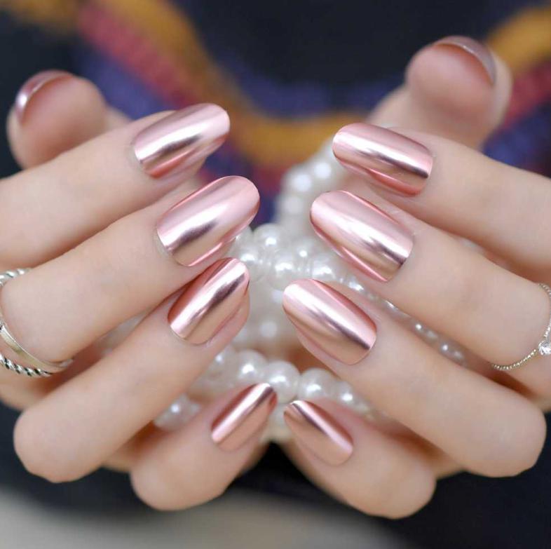 unghii roz gold
