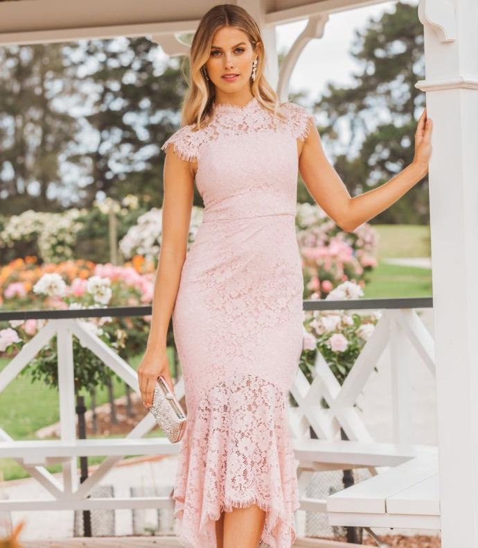 Tinuta elegante pentru nunta