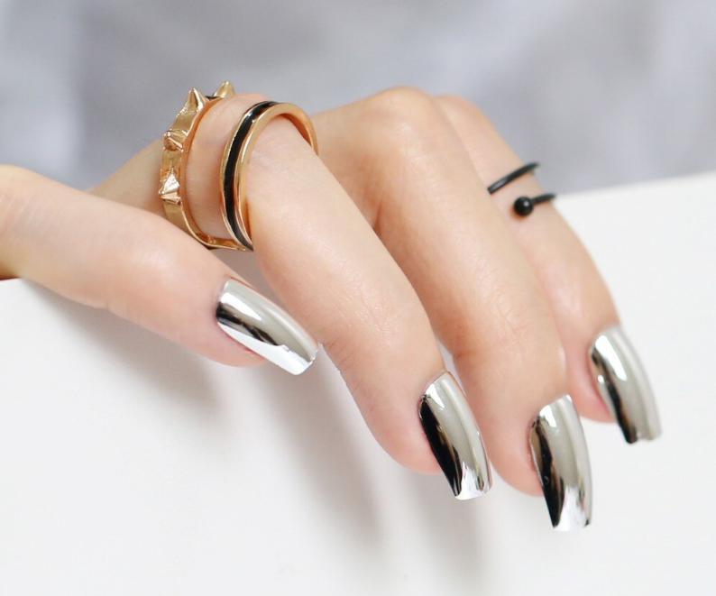 unghii cu gel argintii
